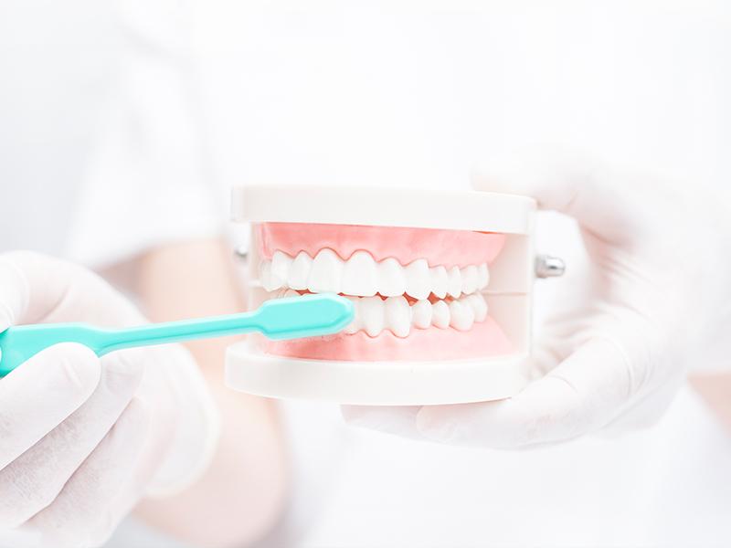 """予防・クリーニング<br><span class=""""pink"""">むし歯・歯周病<br>を予防したい</span>"""